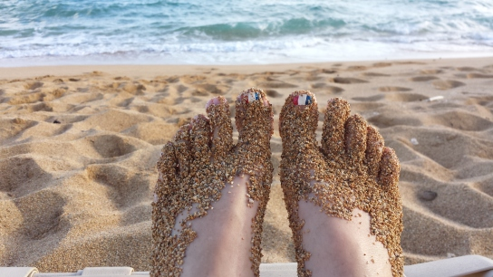 Sandy toes in Hawaii